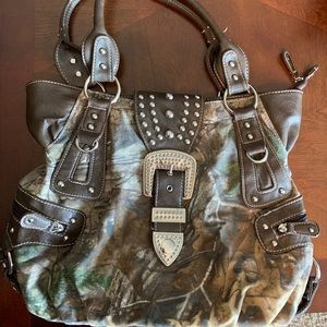 Real tree camo purse